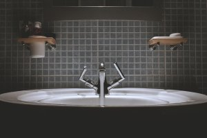 8 tips til å redusere vannforbruket ditt