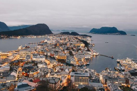 oversiktsbilde-Ålesund