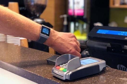 elektronisk betaling med klokke