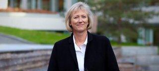 Heidi Skaaret, konserndirektør i Storebrand, utenfor Storebrand sine kontorer på Lysaker.