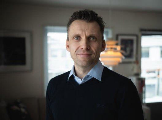 Eivind Engelsjord, leder for pensjon- og sparerådgivning i Storebrand, på hjemmekontor.