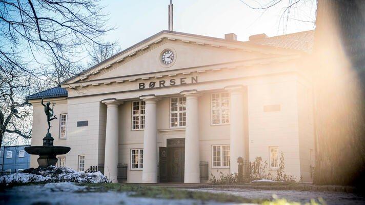 Oslo Børs en vakker vinterdag.